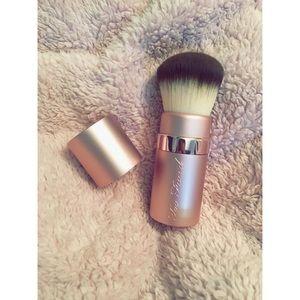 💕 Too Faced Kabuki Brush 💕